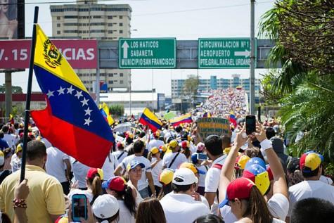 """Venezuela's economy in crisis as government declares """"economic emergency"""""""