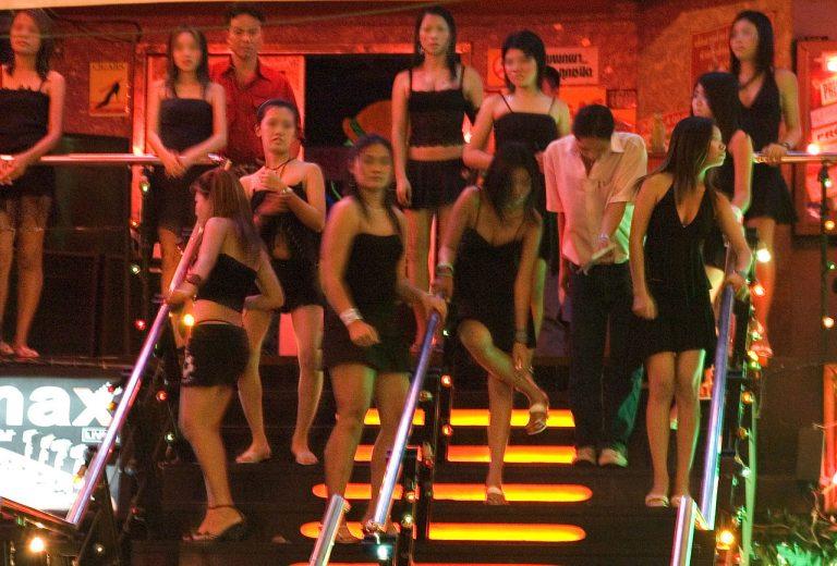 Проститутками обман туристов камбодже в