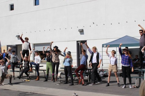 """""""Newsies"""" inspired flash mob dazzles students during lunch"""